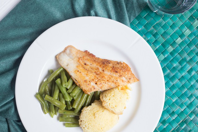 Sauteed Catfish with Green Beans and Spoon Bread
