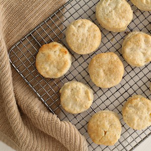 I-Can't-Believe-Biscuits-Can-Be-This-Easy Cream Biscuits