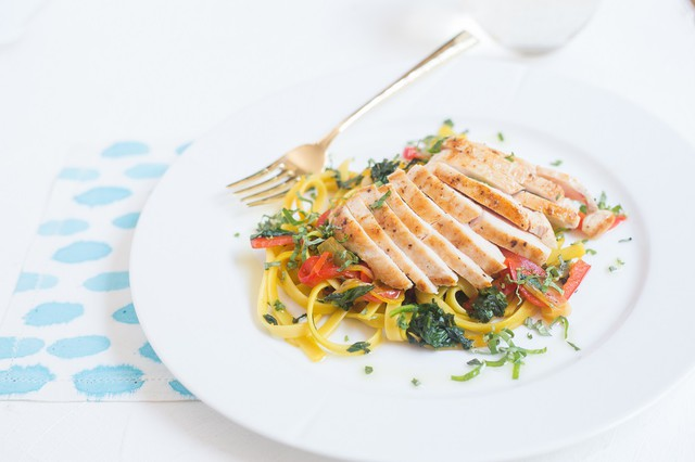 Fettuccine with chicken, spinach, and saffron