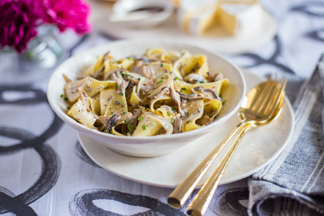 Date Night Kit- Creamy Egg Noodles with Mushrooms