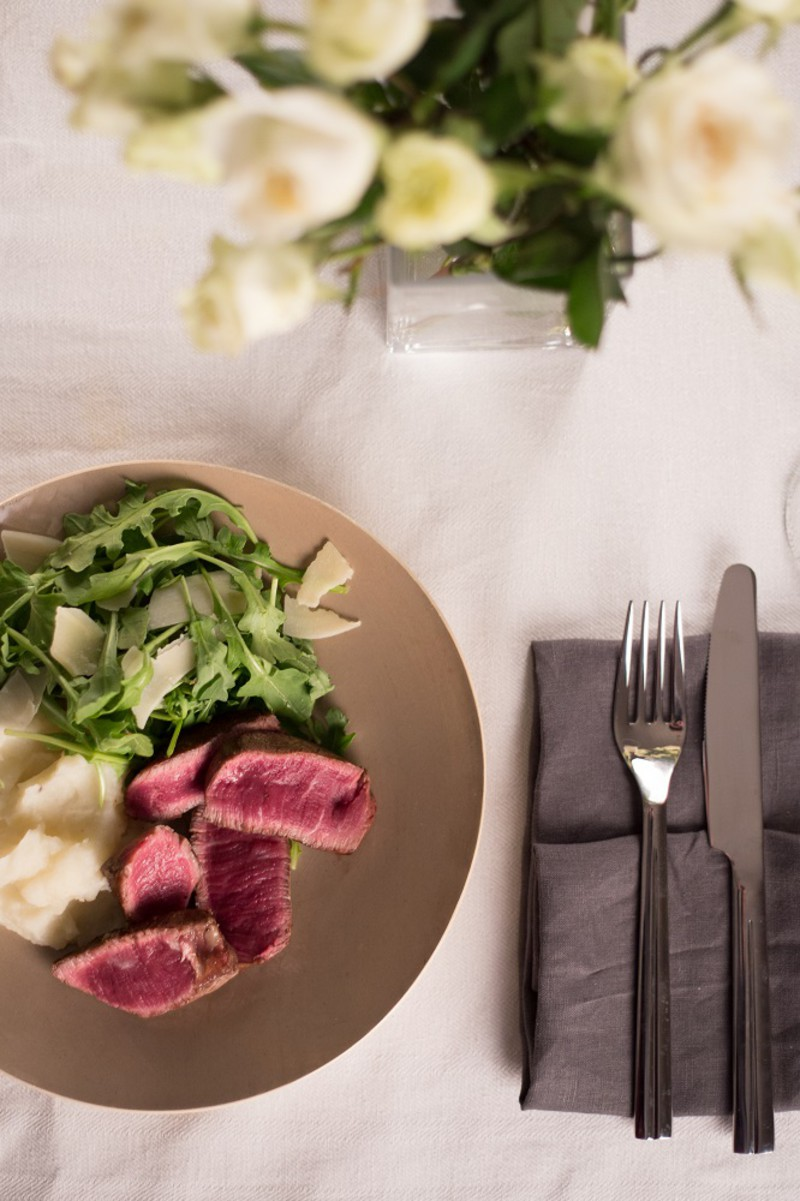 THREE COURSE Beef Tenderloin, Mashed Potatoes & Arugula Salad with Cider Vinaigrette Meal Kit